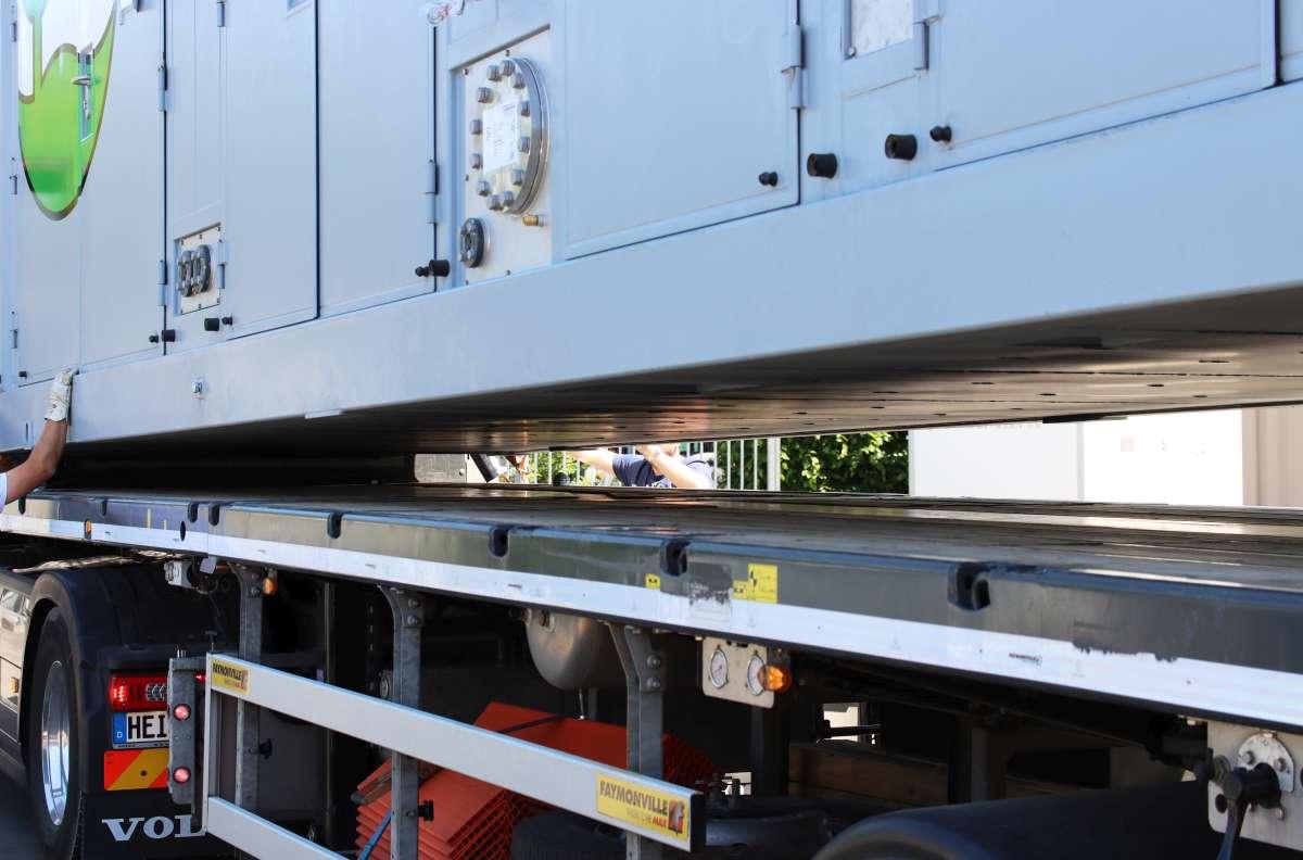 Die erste Anlage ist bereits unterwegs nach Vinni, die zweite steht ebenfalls für den Transport bereit.