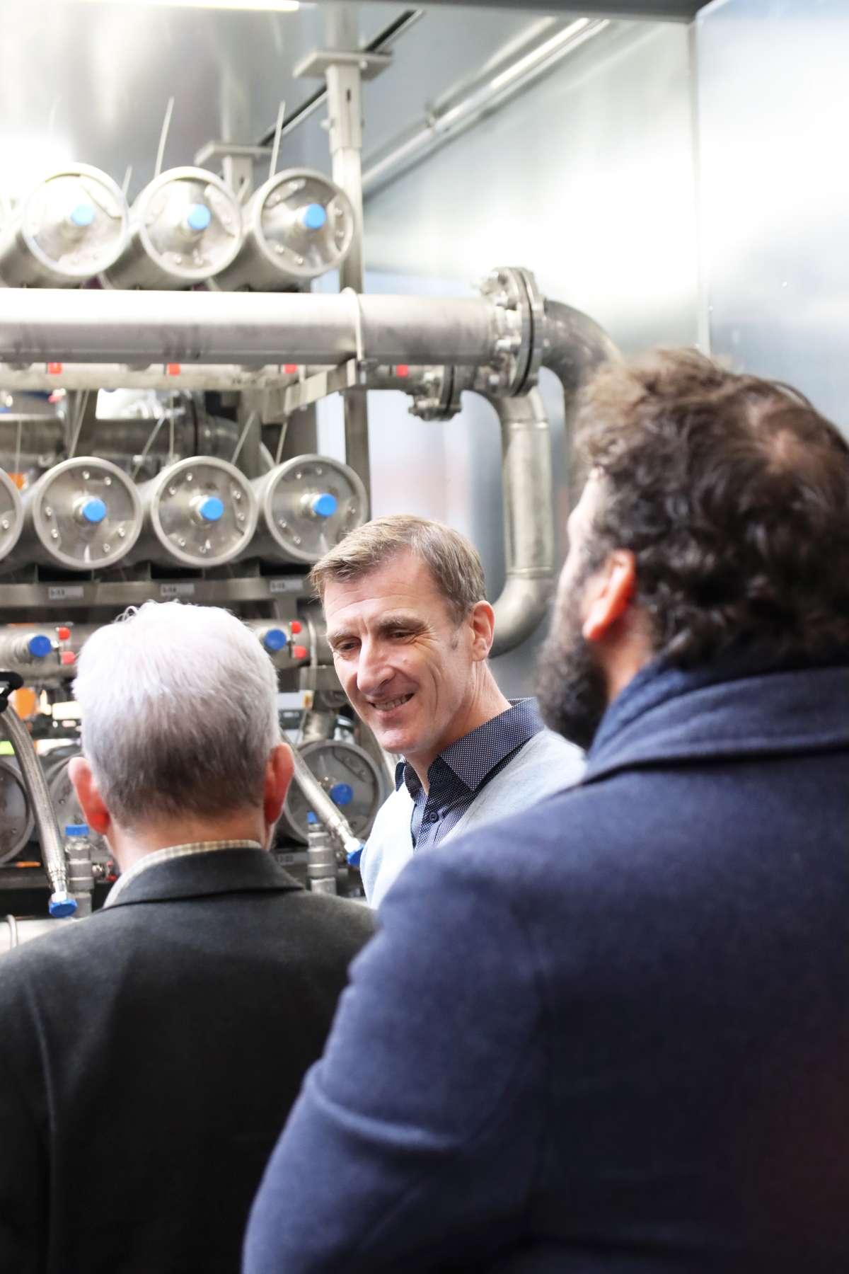 Am Firmenstandort Saerbeck wurde die neue Vorfertigungshalle mit Aufträgen für EnviThan-Anlagen in Frankreich und Dänemark besichtigt.